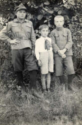 Jan Kurkiewicz (on the left) probably with brothers...